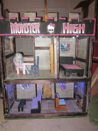 Monster High Doll House Furniture My Girls Really Wanted A Monster High Doll House For Xmas But I