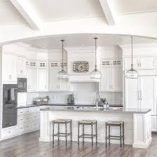 How To Clean White Kitchen Cabinets Themoatgroupcriterionus - Kitchen white cabinet