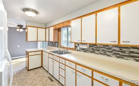 lewis kitchen furniture 405 n lewis ave sioux falls sd single family home property