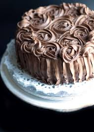 rich vanilla cake with chocolate fudge icing erren u0027s kitchen