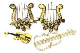 gold tone plastic metal wire musical instruments decorative