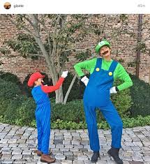 Sin Costume Halloween Gisele Bundchen Son Wear Mario Luigi Costumes