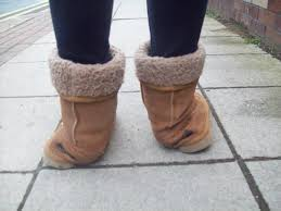everyone went for ugg boots 21 things everyone who wears uggs in 2016 will relate to