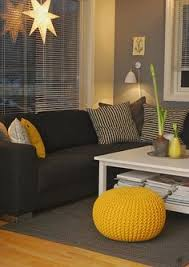 what colors go well with gray love the gray wall color goes well with the black couch huis