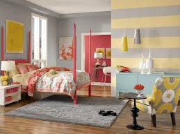 bedroom grey and yellow wall horizontal line two tone wall color