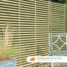 venetian lattice top fence panels 4ft x 6ft natural berkshire