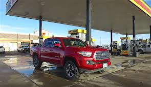 2006 toyota tacoma mpg 2016 toyota tacoma vs 2015 tacoma highway loop mpg results