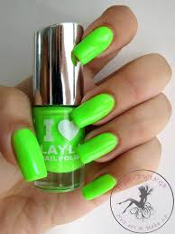 nagellack designs i layla neon nagellack by layla light green fluo nail