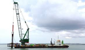 damen crane barge 8025 for heavy lift harbour and jetty construction