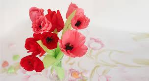 Guirlande Lumineuse Fleurs by Une Couronne De Fleurs En Papier De Soie Prima
