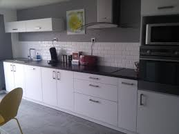 cuisine mur et gris cuisine blanc sur mur gris et grise newsindo co
