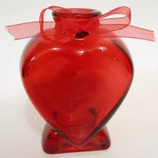 The Handpicked Vase Amazon Com Heart Shaped Red Glass Bud Vase With Bow 5 In Home