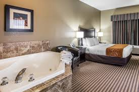 astoria oregon hotel accommodations comfort suites columbia river whirlpool suite