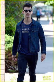 nick jonas is looking more u0026 more buff every day photo 3098139