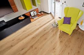 Light Walnut Laminate Flooring End User Title Laminate Flooring Trends Natural Look Reaches A