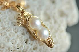 two peas in a pod jewelry solid 14k gold peapod necklace white or green freshwater pearls