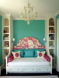 Decorating Ideas For Dresser Top by Bedroom Appealing Cool Small Bedroom Decorating Ideas Shabby