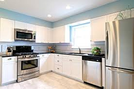 kitchens with stainless appliances white kitchen cabinets with stainless steel appliances kitchen and