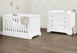 promo chambre bébé ensemble lit bébé évolutif et commode blanc emilia pinolino