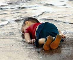 pictures of a heartbreaking pictures of a kid 3 year alyan kurd syrian