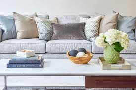 Accent Pillows For Sofa How To Pick The Perfect Accent Pillows Décor Aid