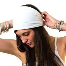 yoga headband tutorial how to wear a tie headband video tutorial the feel good daily by