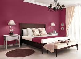 welche farbe passt ins schlafzimmer elegante schlafzimmer einrichtung mit wand in purpur ideen rund