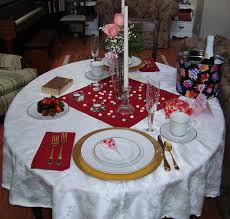 dining room faboulu valentines dining table setting using round