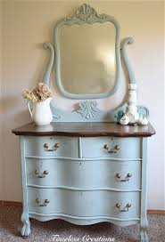 Bedroom Furniture Dresser With Mirror by Best 25 Antique Dressers Ideas On Pinterest Painted Dressers