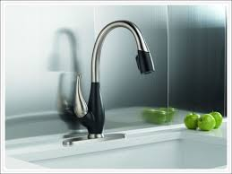 kitchen pull out sprayer replacement delta kitchen faucets lowes