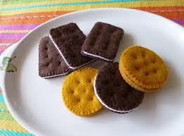 cara membuat gantungan kunci dari kain flanel bentuk kue easy craft tutorial cara membuat gantungan kunci biskuit dari kain