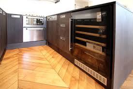 cuisine avec cave a vin cave a vin meuble excellent roselier agencement cuisines et sdb