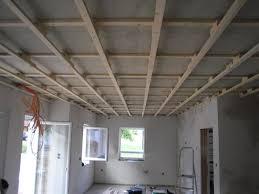 Wohnzimmer Decke Wohnzimmer Decken Gestalten Den Raum In Neuem Licht Erscheinen