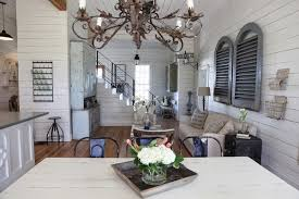 fixer upper on hgtv 10 signs you re obsessed with hgtv s fixer upper