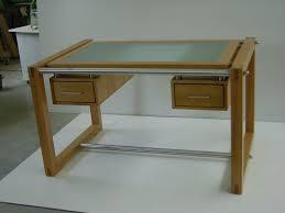 Schreibtisch Glasplatte Schreibtisch Als Synthese Aus Glas Holz Und Edelstahl Tischlerei