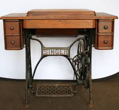 Antique Singer Sewing Machine And Cabinet Antique 1927 Singer Treadle Sewing Machine In Ornate Cabinet