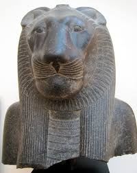 asian lion statues cultural depictions of lions
