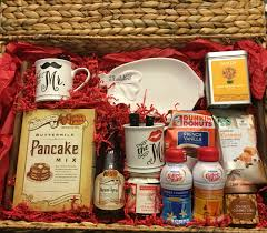 Wedding Shower Hostess Gift Ideas Breakfast In Bed Gift Basket I Made This For A Bridal Shower Gift