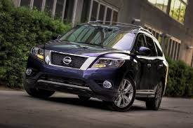 nissan pathfinder hybrid new nissan pathfinder may be based on the altima but execs not