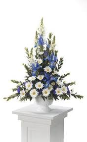 Church Flower Arrangements Church Altar Sprays Check Out The Free Step By Step