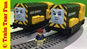 iron bert vs arry lionel o scale battle and review
