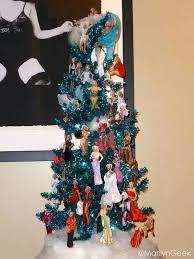 marilyn tree tis the season