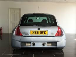 used iceberg silver renault clio for sale west sussex