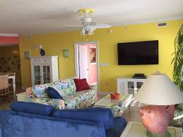 Living Room With Chairs Only Only Ground Floor 3 Br Rental In Treasure Island Beach Chairs