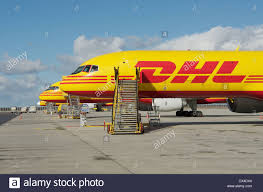 parked airplane stock photos u0026 parked airplane stock images alamy