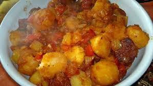 cuisiner pomme de terre grenaille recette de pommes de terre grenaille à la tomate au chorizo et au