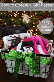 warm and cozy gift basket ideas and free printable holiday gift