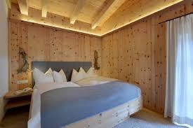 Schlafzimmer Zirbe Ferienhaus U0026 Hütte Aus Zirbenholz Tirol Landhaus Zirbenhäusl