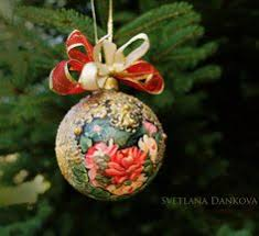 these extraordinary ceramic ornaments charming and of warmth