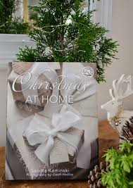 lee caroline a world of inspiration christmas at home an